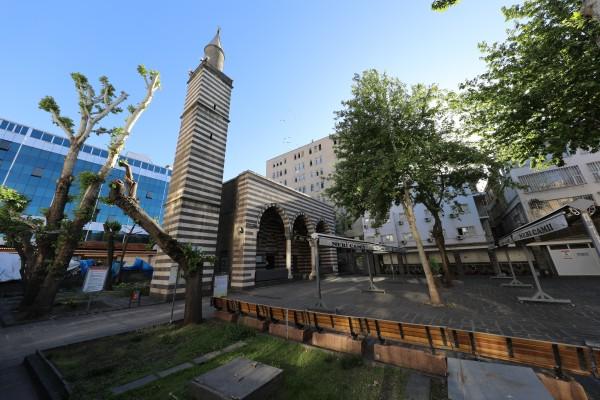 Nebî Camii