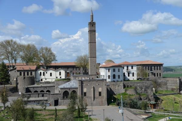 Hz. Süleyman Camii ve Sahabe Kabirleri