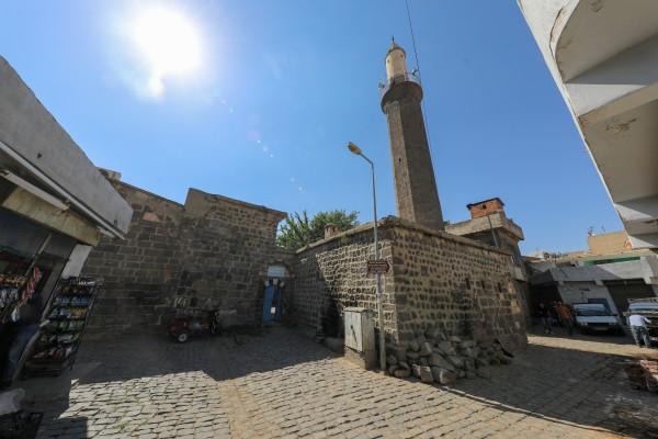 Aynalı Minare Camii