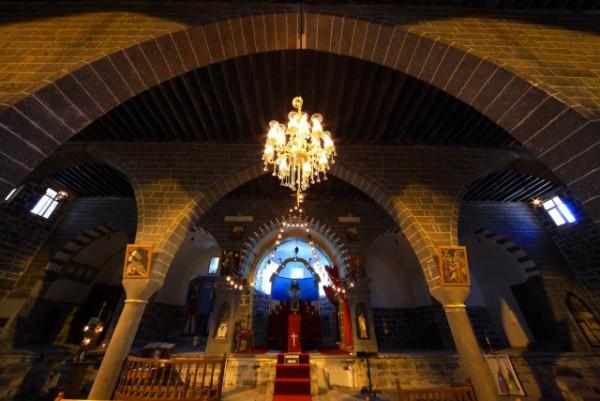 Mar Petyum Keldani Kilisesi